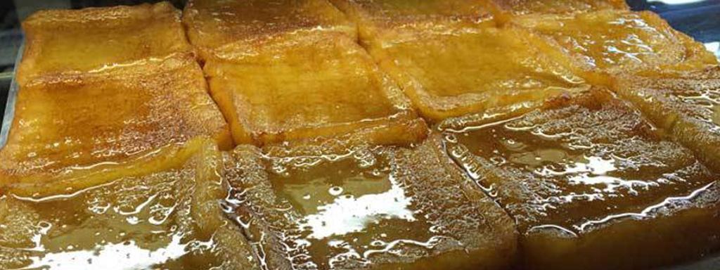 Religión torrijera: regresa al niño pringado de miel hasta las trancas